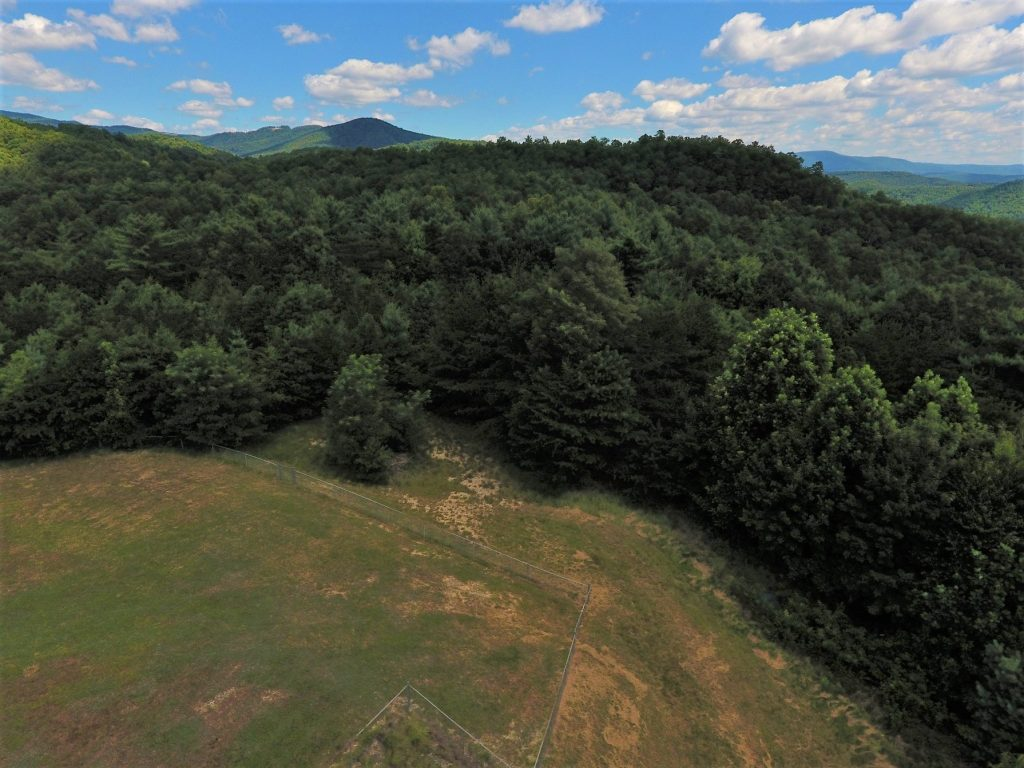 REMOTE MOUNTAIN HOME AND WORKSHOP FOR SALE IN WESTERN NORTH CAROLINA