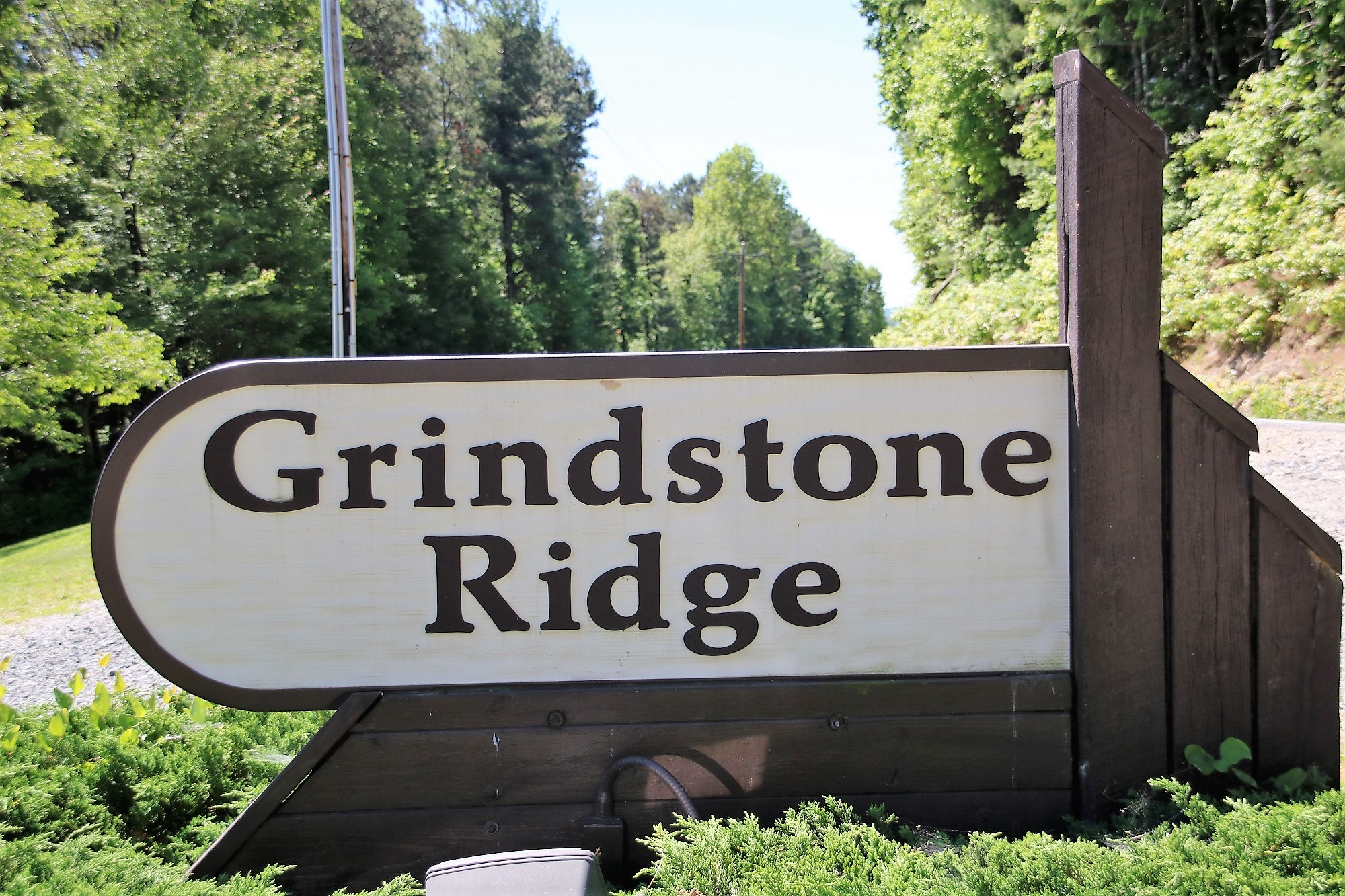 GRINDSTONE RIDGE TRACT 64 NEAR THE BLUE RIDGE PARKWAY